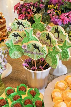 Tinkerbell Party, Cookies For Kids, Birthdays, Table Decorations, Neverland, Events, Desserts, Peter Pan And Tinkerbell, Party Candy