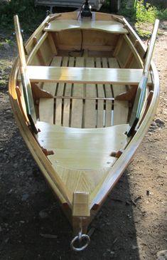 wooden boat , člun ......