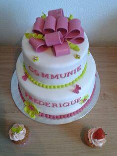Communie taart plus mini cupcakes