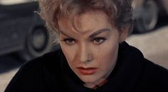 kim-novak-single-tear.jpg (800×442)