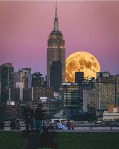 Supermoon over New York by @pseibertphoto - New York City Feelings