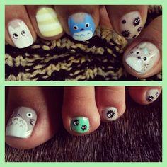 Totoro Nail Art.