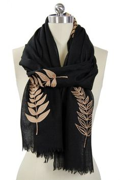 Leaf Applique Merino Wool Scarf - Black/Camel