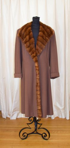 1940's Coat // Brown Wool Mink Fur Trimmed Coat by GarbOhVintage