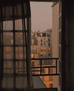 City Aesthetic, Brown Aesthetic, Travel Aesthetic, Arquitectura Wallpaper, Jm Barrie, City Vibe, Window View, Dream Apartment, Pretty Photos