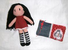 conjunto gorjuss: muñeca amigurumi y portalapices a juego, un regalito ideal!!