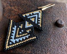 Brick Stitch Earrings, Bead Earrings, Loom Beading, Beading Patterns, Bead Weaving, Bead Crafts, Earrings Handmade, Seed Beads, Friendship Bracelets