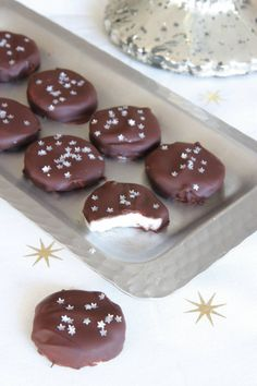 Christmas Treats, All Things Christmas, Candy Recipes, Dessert Recipes, Xmas Food, Marzipan, Fudge, Food And Drink, Sweets
