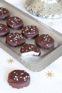 Mintkakor – Lindas Bakskola Christmas Treats, All Things Christmas, Candy Recipes, Dessert Recipes, Marzipan, Fudge, Nom Nom, Tart, Food And Drink