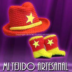 DIVERTIDO CONJUNTO DE SOMBRERO Y BOTITAS. Infinidad de creaciones tejidas al crochet, para damas, bebés, niños, adolescentes y hombres. Realizo diseños personalizados por encargo.
