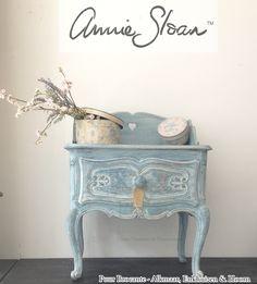 Painted in Annie Sloan Chalkpaint for Puur Brocante Alkmaar, Hoorn & Enkhuizen