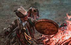 Bereits seit Jahrtausenden arbeiten russische Schamanen und Priester mit einer Magiemethode, die noch heute bis ins tiefste Sibirien hinein lebendig geblieben ist: der Vetucha-Heilung. Diese weißma…