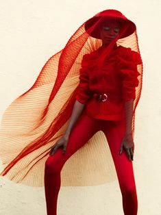 Elena Iv-skaya Bo Kaap Photographer: Elena Iv-skaya Styling: Carla Vermaak Make-up: Suaad Jeppie Model: Tobi Oloko Fashion Fail, Fashion Outfits, Fashion Tips, Fashion Design, Fasion, High Fashion Shoots, High Fashion Photography, Editorial Photography, Glamour Photography