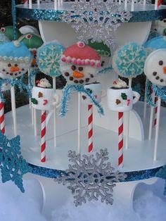 Snowmen Oreo Pops