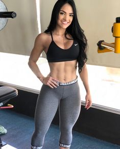 Input your height and weight, our calculator will generate an easy-to-read report on your general health status, based on the BMI (Body Mass Index) formula. Musa Fitness, Sporty Girls, Fit Chicks, Lingerie Models, Athletic Women, Crop Tank, Fitness Inspiration, Crossfit Inspiration, Fit Women