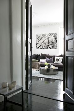 Black Internal Doors, Gallerie B