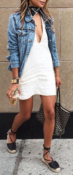 Super cute style! Love the subtle plunging neckline! | Stylish outfit ideas for women who love fashion!