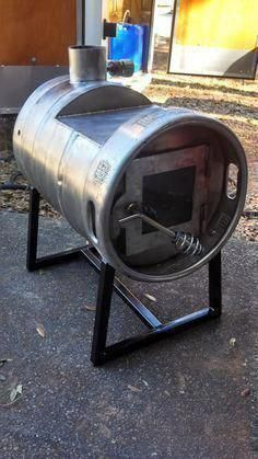 Beer Keg wood stove, only one like it!safer than using an ex gas bottle Metal Projects, Welding Projects, Welding Art, Barbacoa, Stove Heater, Beer Keg, Into The Woods, Built In Grill, Stove Fireplace