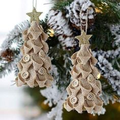 cute burlap Christmas tree ornaments with buttons and glitter star toppers Burlap Ornaments, Burlap Christmas Tree, Burlap Crafts, Christmas Ornaments To Make, Noel Christmas, Christmas Projects, Handmade Christmas, Holiday Crafts, Burlap Projects