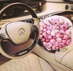 Pink roses • tan Mercedes inspo