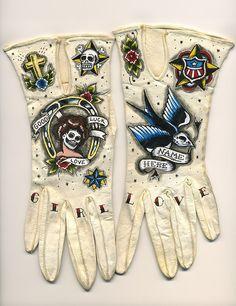 Tattoo Cream Leather Gloves - by Ellen Greene Nose Art, Rockabilly, Gants Vintage, Ellen Greene, Caroline Reboux, Pin Up, Green Gloves, Tattoo Cream, Biker