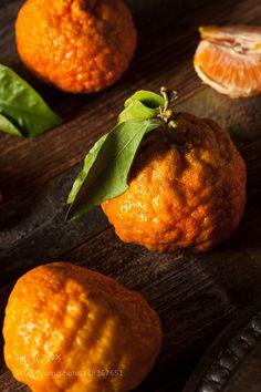 Pic: Raw Organic Gold Nugget Mandarin Oranges