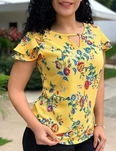 Best 12 This one is Rank 👌 – SkillOfKing. Kurti Neck Designs, Blouse Designs, Dress Sewing Patterns, Classy Dress, Blouse Styles, Skirt Outfits, Women's Fashion Dresses, African Fashion, Floral Blouse
