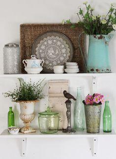 lovely kitchen shelf arrangement - from Heather, Pretty Petals