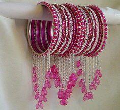 Latest Design of Bangles for Girls Indian Bridal Jewelry Sets, Bridal Jewelry Vintage, Indian Jewelry Earrings, Bridal Bangles, Hand Jewelry, Indian Bangles, Bridal Jewellery, Jewelry Rings, Thread Bangles Design