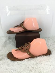 187e3ee9da4a Tory Burch Women Miller Flip Flop  Size 10 M  Vintage Leather