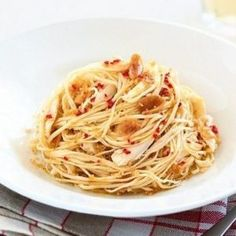 Spicy pasta with chicken. Recipes with photos.