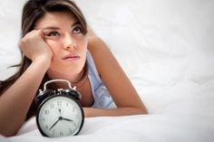 Cómo vencer al insomnio: 10 medidas de higiene del sueño que ayudan a prevenir el insomnio y que se emplean como complemento en intervenciones psicológicas. #alimentatubienestar