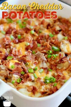 An easy Crockpot Cheddar Bacon Ranch Potato Soup! Tender potatoes in a creamy soup filled with cheesy flavor and topped with crispy bacon! Bacon Cheese Potatoes, Cheddar Potatoes, Chicken Potatoes, Roasted Potatoes, Potato Cheese Casserole, Cheesy Ranch Potatoes, Potato Dishes, Potato Recipes, Potato Soup