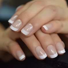 Short French Tip Nails, White French Nails, Short Fake Nails, French Tips, Bridal Nails French, French Tip Toes, Ombre French Nails, Short Natural Nails, Natural Looking Nails