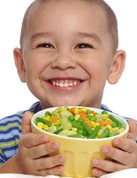 Children prefer the dishes of various colors and filled in the little food that is fun, according to several studies Healthy Foods To Eat, Healthy Kids, Healthy Eating, Healthy Recipes, Diet For Children, Frozen Banana, Kids Nutrition, Kid Friendly Meals, Organic Recipes