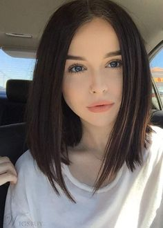 Here is the list of new collection of Shoulder Length Lob Haircut for ladies to update there new haircut. Black Ponytail Hairstyles, Lob Hairstyle, Long Bob Hairstyles, African Hairstyles, Medium Straight Hairstyles, Wedding Hairstyle, Cute Hairstyles, Lob Haircut Straight, Short Straight Hair