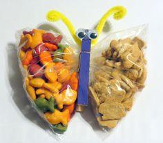 blogdeedah: Snack Time DIY  snack time, preschool, butterfly snack bags, fun food