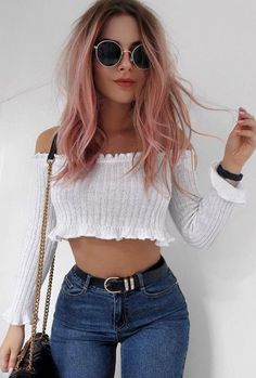 Casual outfit idea / white off shoulder top bag skinny jeans moda para chicos, trucos 30 Outfits, Mode Outfits, Trendy Outfits, Summer Outfits, Sexy Casual Outfits, Casual Wear Women, Summer Hairstyles, Cool Hairstyles, Fashion Hairstyles