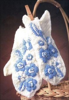 Вышивка на варежках Free Crochet, Knit Crochet, Crochet Hats, Knitting Patterns Free, Free Pattern, Fingerless Mittens, Wrist Warmers, Mitten Gloves, Rubrics