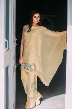 225a2a950985 51 Best Pakistani Clothing images