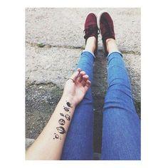 provocative-planet-pics-please.tumblr.com Ho trovato un sacco di pagine che fanno morire dal ridere sui fandom. Non ce la posso fare mi piacciono troppo  #qotd: luna vs sole #aotd: luna  #jeans #tattoo #tattoos #planets #pianeti #style #girl #nevergiveup by _never.give_up_ https://www.instagram.com/p/BB7DLIWr25c/