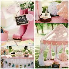 circus picnic parties - Google Search Picnic Birthday, Pig Birthday, 3rd Birthday Parties, Picnic Theme, Fiestas Peppa Pig, Deco Cupcake, Princess Tea Party, Pig Party, Festa Party