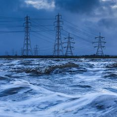 windy [2 of 3]. #Alloa #Clackmannanshire #RiverForth #ForthWatch #pylons #pylonpower #waves #Triptych