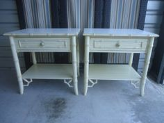Thomasville Allegro Hollywood Regency Chinese Chippendale Pair of Nightstands Faux Bamboo Hollywood Regency Palm Beach MCM End SideTables