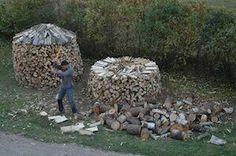 Stack firewood in round piles - the Scandinavian way