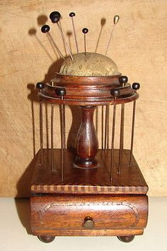 ANTIQUE-INLAID-VICTORIAN-THREAD-HOLDER-WITH-STORAGE-DRAWER-amp-PIN-CUSHION
