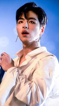 Kim Jinhwan, Chanwoo Ikon, Park Hyun Sik, Bobby, Koo Jun Hoe, Winner Ikon, Ikon Debut, Lee Hyun Woo, E Dawn