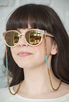 Corrente no óculos é a nova tendência Acessorios Para Oculos, Cordão Para  Oculos, Modelos e6b4d63927