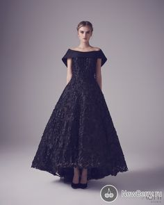 Let me introduce you today one of the major haute couture bridal designer brands – Ashi Studio. Colored Wedding Dresses, Bridal Dresses, Party Dresses, Couture Fashion, Runway Fashion, Ashi Studio, Unique Fashion, High Fashion, Women's Fashion