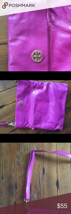 Brand new Tory Burch crossbody bag Brand new Tory Burch crossbody bag, two different ways to wear Tory Burch Bags Crossbody Bags